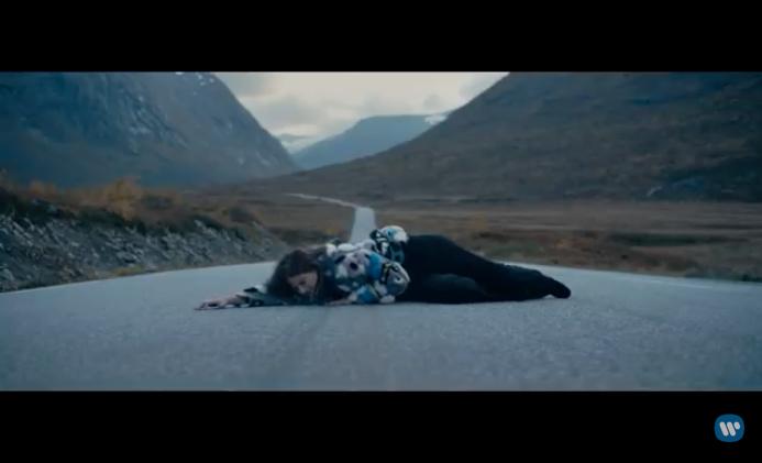 "Anywhere But Here - ""Fear"": Pola Rise : recenzja płyty.jpg"